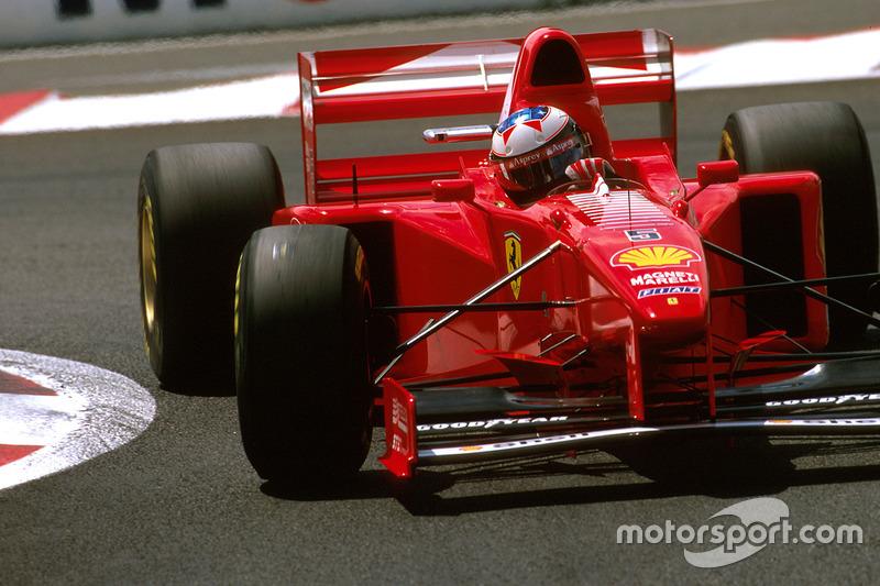 Ferrari en el Gran Premio de Francia de 1997: ...y así en el alerón trasero