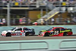 Danica Patrick, Stewart-Haas Racing Chevrolet, Clint Bowyer, HScott Motorsports Chevrolet