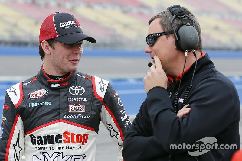 Erik Jones, Joe Gibbs Racing, Toyota, mit Chris Gabehart