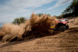 #302 Toyota Gazoo Racing, Toyota: Giniel de Villiers, Dirk von Zitzewitz
