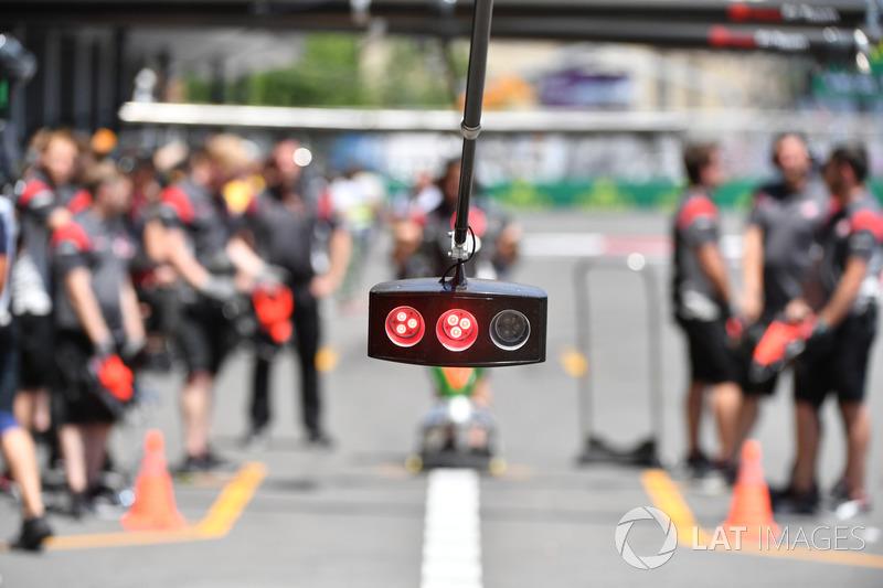 Haas pit stop ışıkları