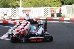 『e-kart ride』