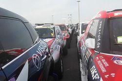 Autos und Trucks vor dem Transport nach Buenos Aires