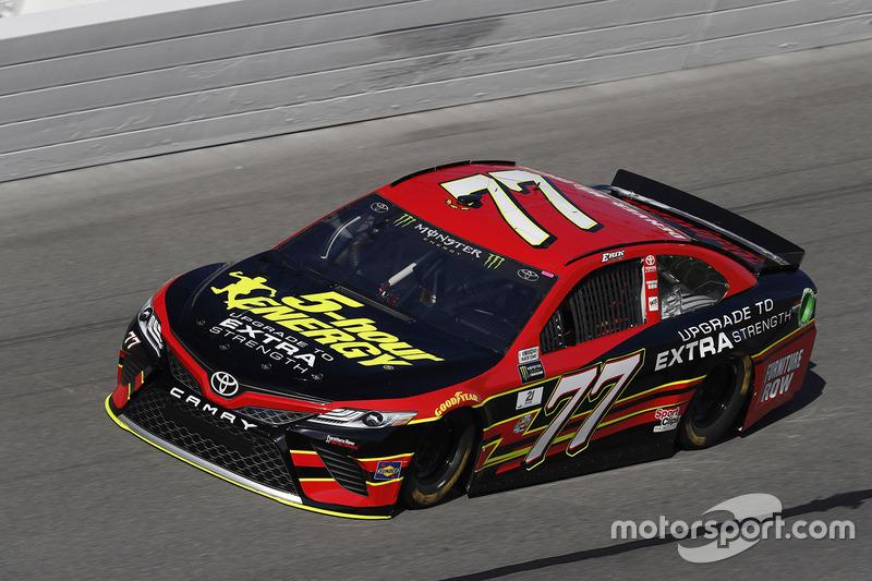 Unfall: Erik Jones, Furniture Row Racing, Toyota