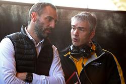 Cyril Abiteboul, directeur général Renault Sport F1 Team, Nick Chester, directeur technique châssis Renault Sport F1 Team RS17