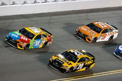 Matt Kenseth, Joe Gibbs Racing, Toyota; Kyle Busch, Joe Gibbs Racing, Toyota; Daniel Suárez, Joe Gib