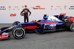 Daniil Kvyat, Scuderia Toro Rosso poses with the Scuderia Toro Rosso STR12