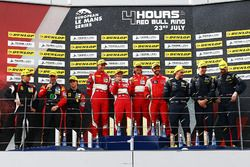 GTE-Podium: 1. #55 Spirit of Race, Ferrari F488 GTE: Duncan Cameron, Matt Griffin, Aaron Scott; 2. #