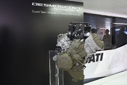 Ducati V4 road engine launch