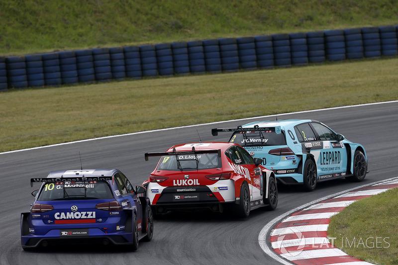 Jean-Karl Vernay, Leopard Racing Team WRT, Volkswagen Golf GTi TCR, Daniel Lloyd, Lukoil Craft-Bambo