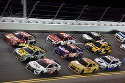 Erik Jones, Furniture Row Racing Toyota, Landon Cassill, Front Row Motorsports Ford, Jamie McMurray, Chip Ganassi Racing Chevrolet, Chip Ganassi Racing, Chevrolet SS