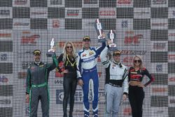 GTA Podyum: Yarış galibi James Sofronas, GMG Racing, 2. John Potter, Magnus Racing, Tim Pappas, Blac
