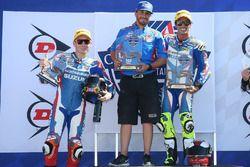 Toni Elías y Roger Lee Hayden en el podio de Utah