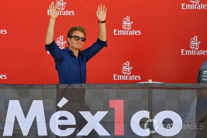 Nico Rosberg, Mercedes-Benz Ambassador en el podio con el #FuerzaMex1co