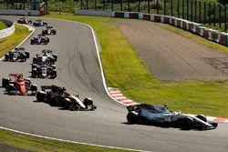 Felipe Massa, Williams FW40, Nico Hulkenberg, Renault Sport F1 Team RS17, Kimi Raikkonen, Ferrari SF