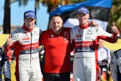 Les vainqueurs, Kris Meeke et Paul Nagle, Citroën C3 WRC, Citroën World Rally Team, avec Yves Matton, directeur Citroën Motorsport