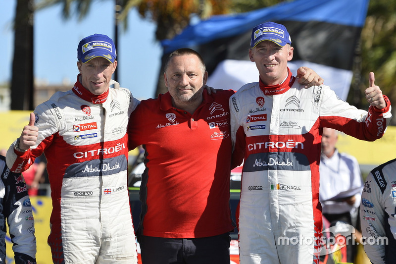 Il vincitori Kris Meeke, Paul Nagle, Citroën C3 WRC, Citroën World Rally Team con Yves Matton, Direttore Citroën Motorsport