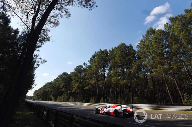 13. #8 Toyota Gazoo Racing Toyota TS050 Hybrid: Anthony Davidson, Sébastien Buemi, Kazuki Nakajima