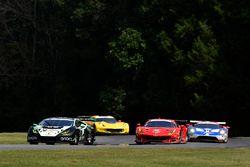 #16 Change Racing Lamborghini Huracan GT3: Corey Lewis, Jeroen Mul, #62 Risi Competizione Ferrari 48