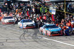 Boxenstopps: Kyle Busch, Joe Gibbs Racing Toyota, Ryan Preece, Joe Gibbs Racing Toyota, Brad Keselow