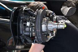 Mercedes AMG F1 W08, Vorderradbremse und Radnabe, Detail