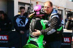 SSP300 Yarış galibi Scott Deroue, MTM HS Kawasaki