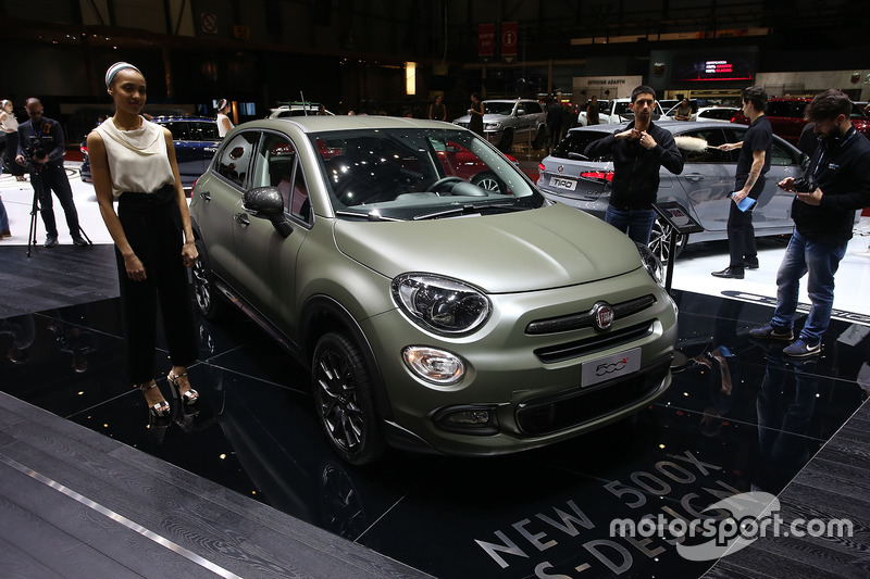 fiat 500x s design at geneva international motor show. Black Bedroom Furniture Sets. Home Design Ideas