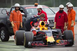 Max Verstappen, Red Bull Racing RB13 stopped on the circuit