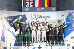 Podium GTE-Am: ganadores, #61 Clearwater Racing Ferrari 488 GTE: Mok Weng Sun, Matt Griffin, Keita S