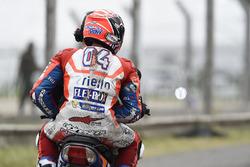 Andrea Dovizioso, Ducati Team, después del accidente