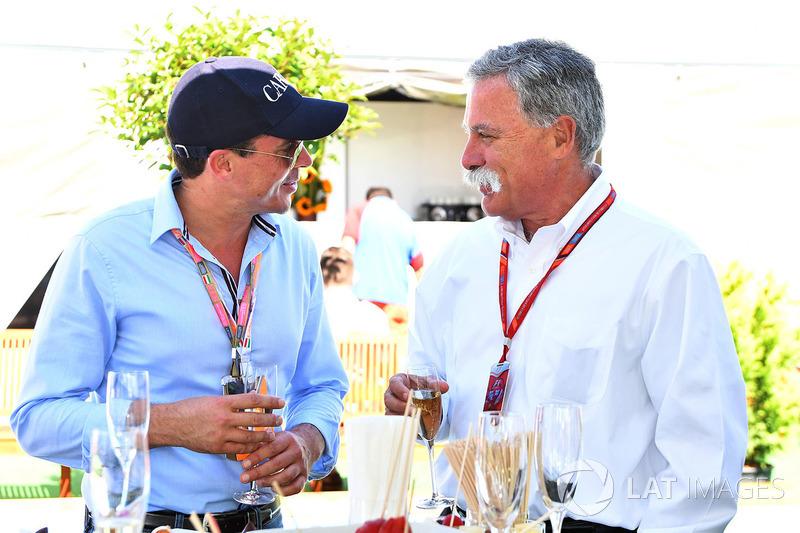 Alex Mea y Chase Carey, Director Ejecutivo y Presidente Ejecutivo de la Formula One Group