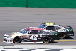 Tyler Reddick, Chip Ganassi Racing Chevrolet and William Byron, JR Motorsports Chevrolet