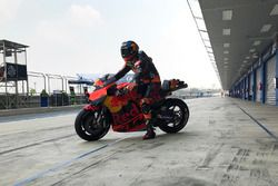 Bradley Smith, Red Bull KTM Factory Racing with new fairing