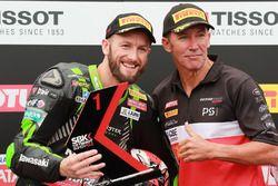 Le poleman Tom Sykes, Kawasaki Racing, Troy Bayliss