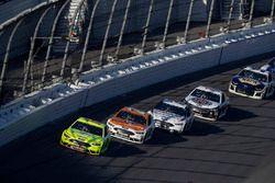 Paul Menard, Wood Brothers Racing Ford Fusion, Ryan Blaney, Team Penske Ford Fusion