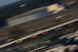 Ryan Blaney, Team Penske Ford Fusion, Joey Logano, Team Penske Ford Fusion, Denny Hamlin, Joe Gibbs Racing Toyota
