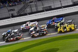 Noah Gragson, Kyle Busch Motorsports, Safelite Autoglass Toyota Tundra and Spencer Davis, Kyle Busch