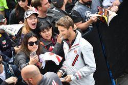 Romain Grosjean, Haas F1 fans selfie