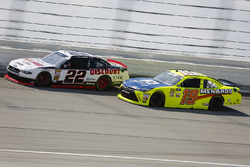 Paul Menard, Team Penske, Ford Mustang Discount Tire and Brandon Jones, Joe Gibbs Racing, Toyota Camry Toyota Menards Jeld-Wen