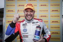 Pole pozisyonunun sahibi Rob Huff, Sébastien Loeb Racing Volkswagen Golf GTI TCR