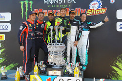 Ganadores, Valentino Rossi, Carlo Cassina, Ford Fiesta WRC, segundo, Andreas Mikkelsen, Thierry Neuville, Hyundai NG i20 WRC, tercero, Marco Bonanomi, Gigi Pirollo, Citroën DS3 WRC