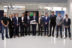 Additive Industries and Sauber Motorsport AG representatives