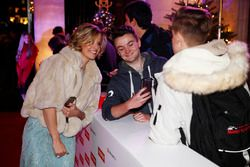 Susie Wolff rencontre des fans