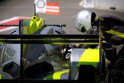 #4 ByKolles Racing Team Enso CLM P1/01: Oliver Webb, Dominik Kraihamer, Tom Dilmann, refuel