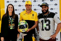 Alessandra Valllini, Ayrton Senna Foundation, Carlos Sainz Jr., Renault Sport F1 Team, with a specia