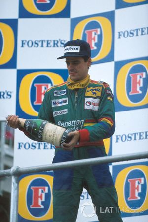 Podium : le second Alessandro Nannini, Benetton