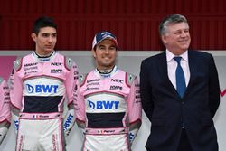 Esteban Ocon, Sahara Force India F1, Sergio Perez, Sahara Force India and Otmar Szafnauer, Sahara Fo