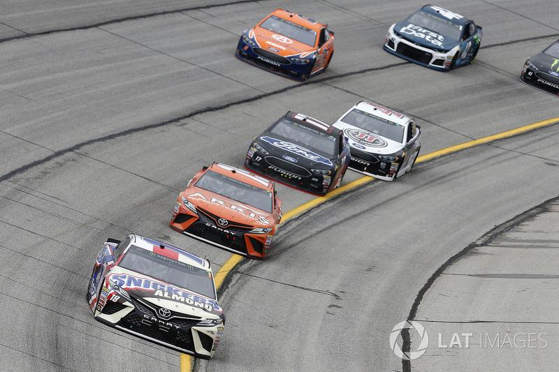 Kyle Busch, Joe Gibbs Racing, Snickers Almond Toyota Camry Daniel Suarez, Joe Gibbs Racing, ARRIS Toyota Camry