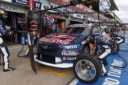 Shane van Gisbergen, Triple Eight Race Engineering Holden pitstop