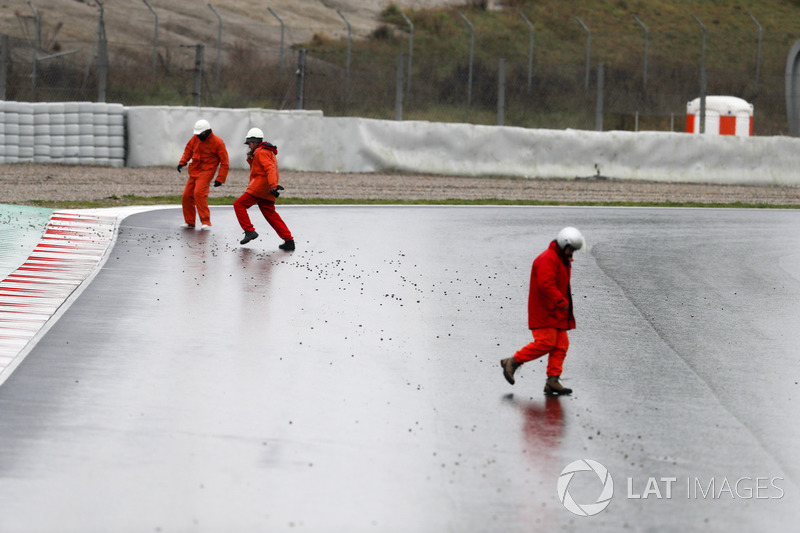 Marshalls clear the track